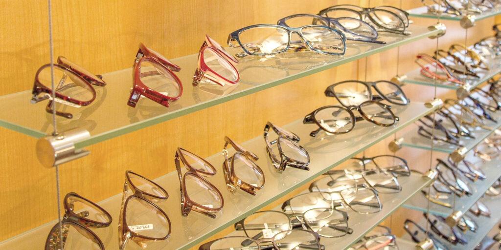 Große Brillenauswahl bei Optik Hawlitschek